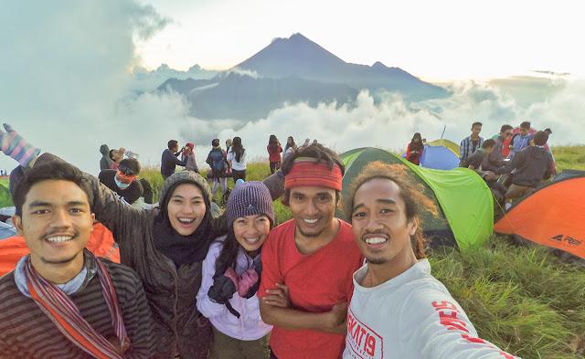 Pura-Pura Bahagia Di Bukit Nanggi, Sembalun, Lombok Timur