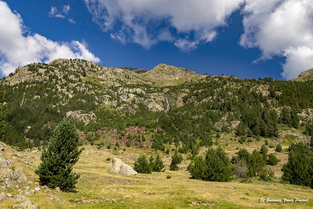 Sendero S2 Valle de Benasque por El Guisante Verde Project