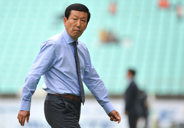 Six games further into the season, and Jeonbuk Hyundai Motors manager Choi Kang-hee is still shuffling his team (Photo Credit: Hyundai-MotorsFC.com)