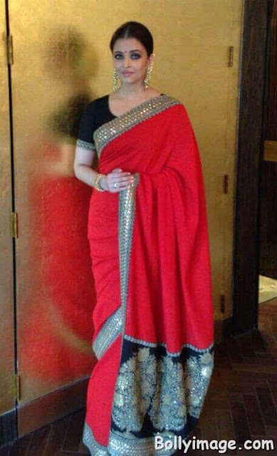 aishwarya rai looks stunning in saree pic