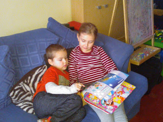 Top Ender reading the Winx Magazine to Big Boy