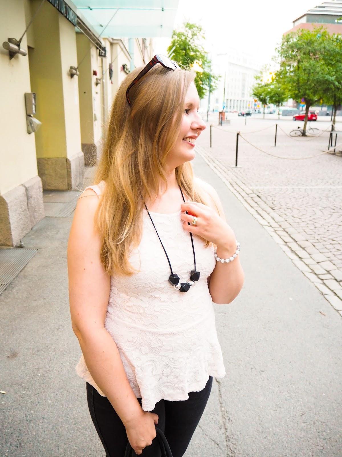 Saippuakuplia olohuoneessa blogi, kuva Mikko Poikkilehto, Hanna Poikkilehto, oma tyyli, kauneus, Lifestyle, my style, street style, outfit, Liu Jo, Helsinki, MioSa, Desig