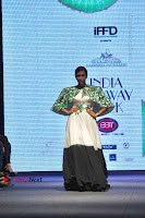 Actress Mannara Chopra Ramp Show in Fashion Dress at Delhi  0012.jpg