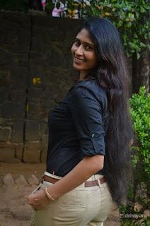 Actress-Aisha-Azcym-Stills-at-Kathal-Agathi-Team-Interview