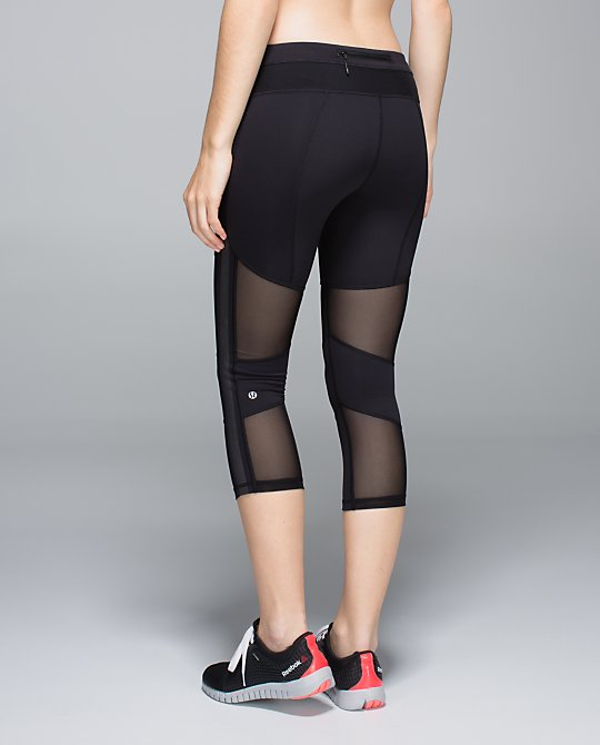 lululemon-black-mesh-with-me-crop