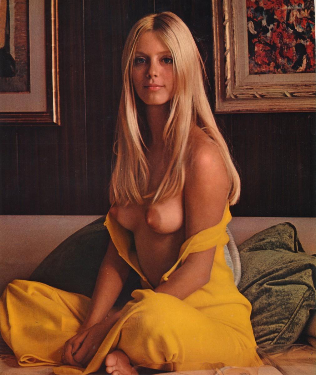 Connie Kreski  nackt