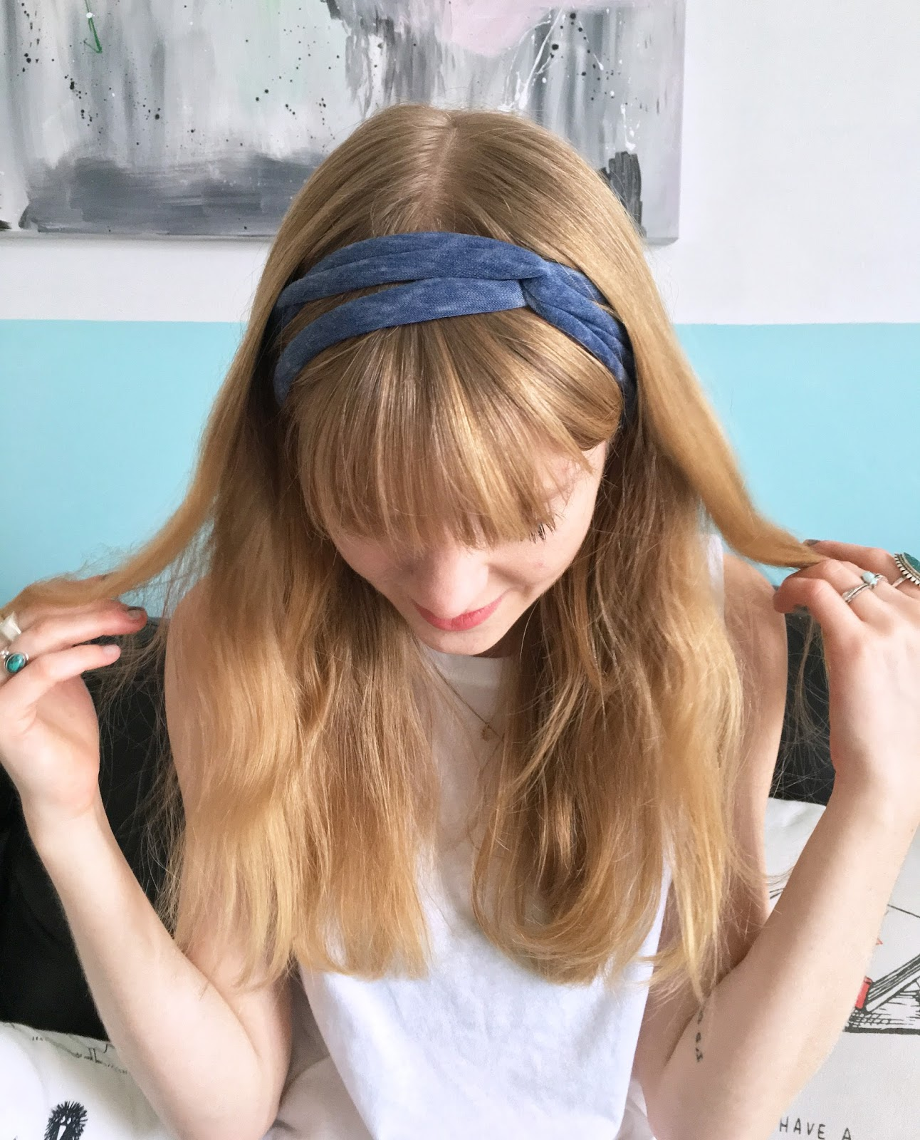 D.I.Y. No Sew Headband From an Old T-Shirt