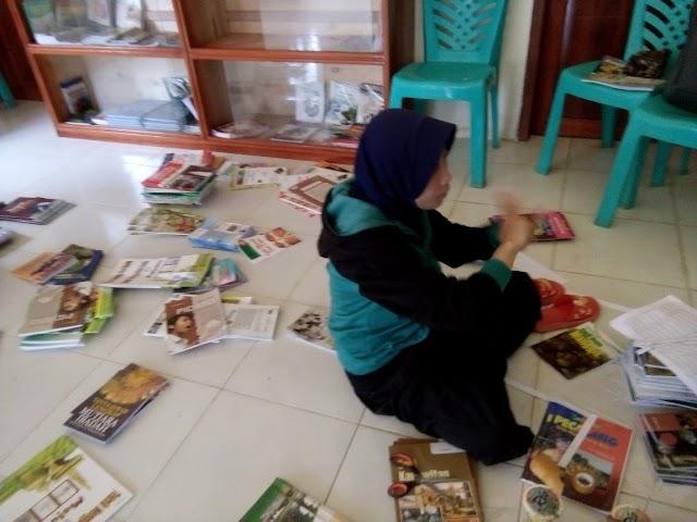 Pengabdian Masyarakat Pelatihan Manajemen Perpus di desa Cempaka Kec. Cempaga