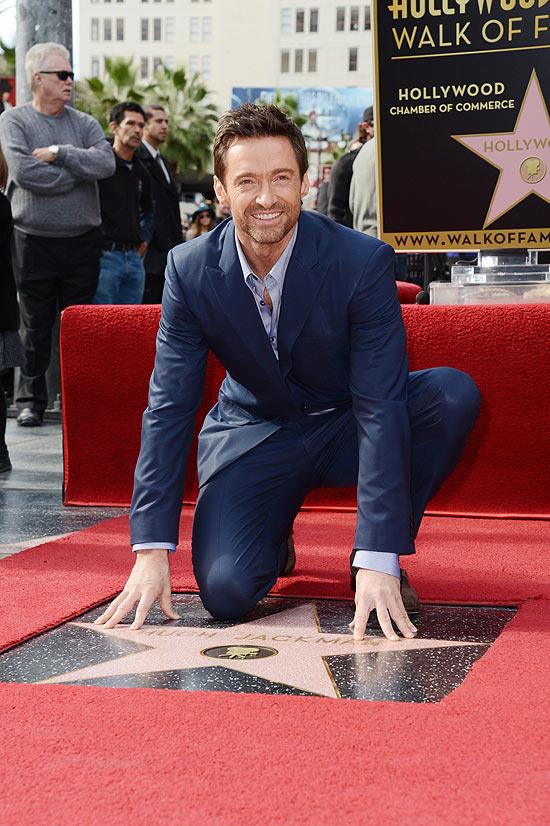 Hugh Jackman recebe estrela  2487 na calçada da fama de Hollywood