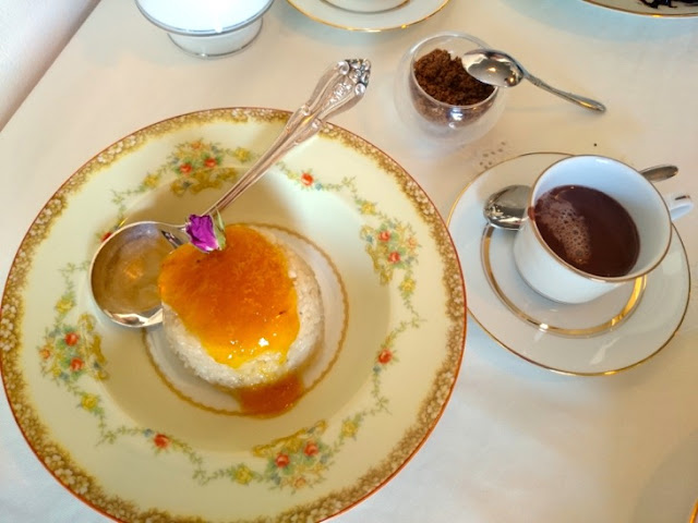Sticky Rice with Mango Marmalade with  Hot Chocolate