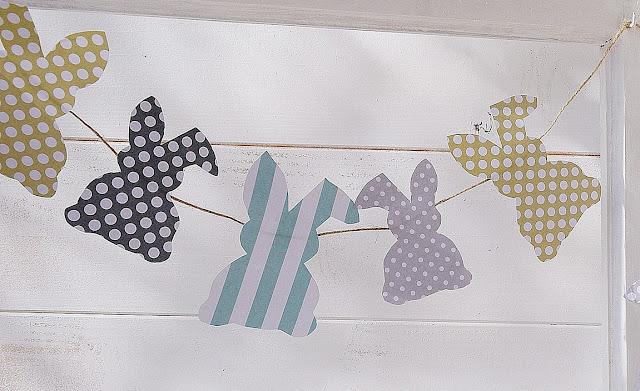 Girlande aus Papierhasen