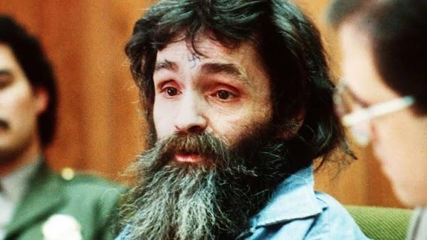 Charles Manson fue condenado a muerte, pero luego se le decretó cadena perpetua