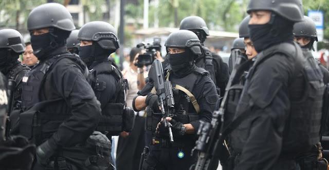 Polisi Geledah Rumah Terduga Teroris di Kemayoran