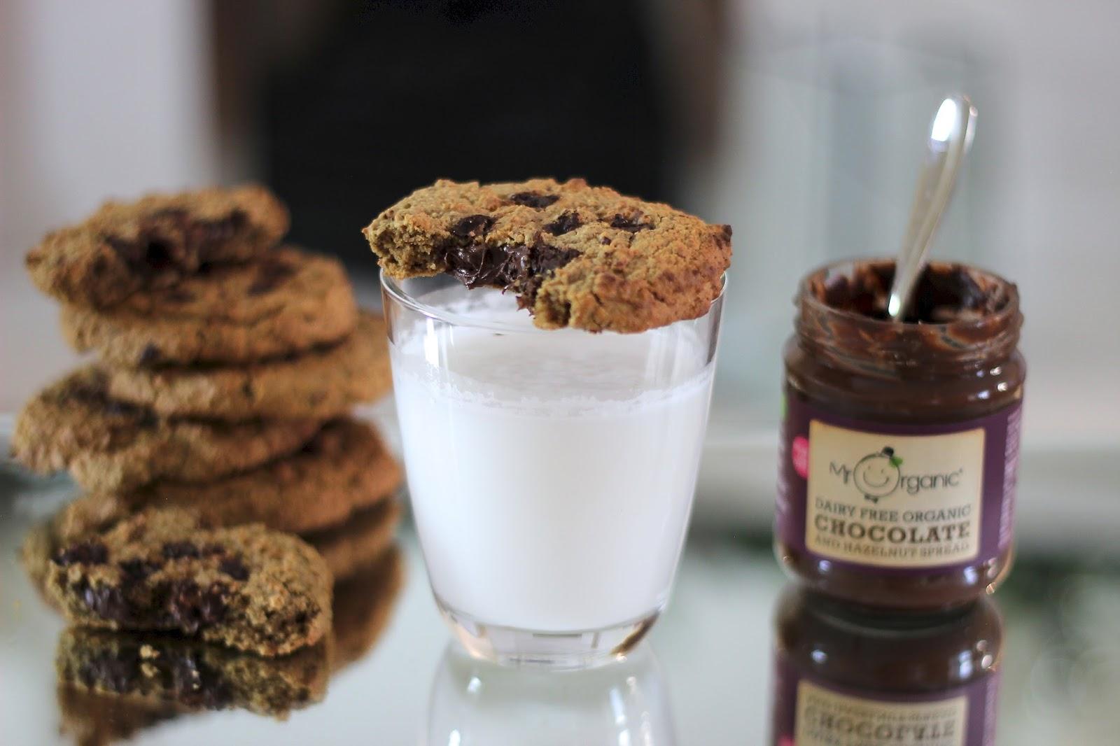 chocolate-hazelnut spread cookies