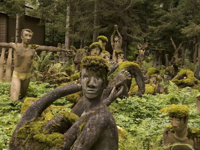 Mossy yoga people at Parikkala Sculpture Park