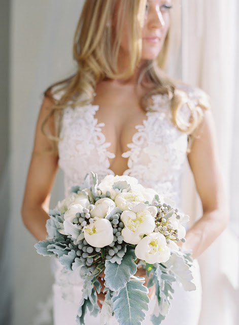 Jenna's wintery white and blue wedding bouquet for her Willow Ridge Country Club Wedding | Karen Hill Photography