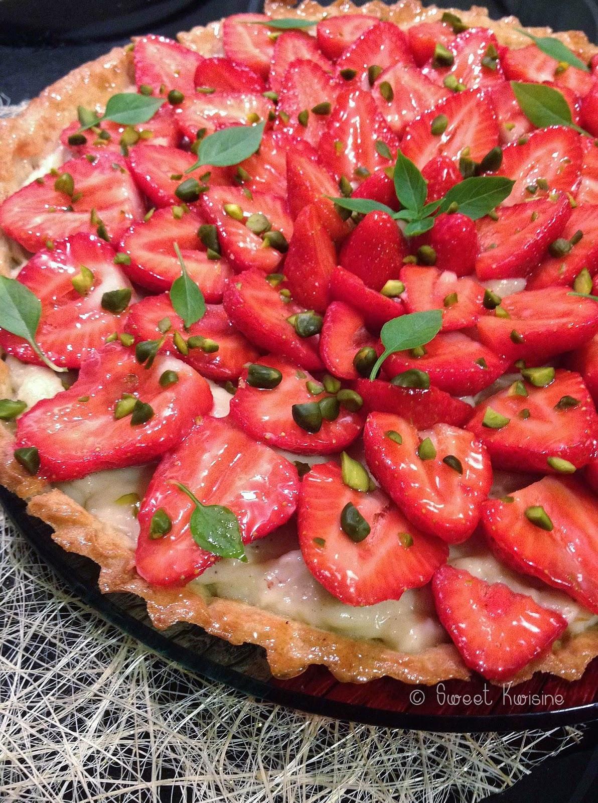 Sweet Kwisine, tarte, fraises, pistache,crème pâtissière, vanille, printemps, pâte sablée, amandes, pierre Hermé, strawberry, curd