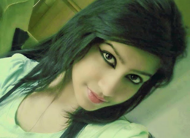 Most BeautiFul Indian Desi Girls Pics