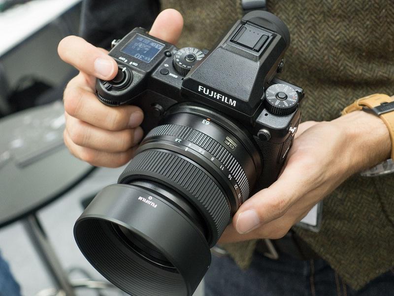 Fujifilm GFX 50S Camera Handling