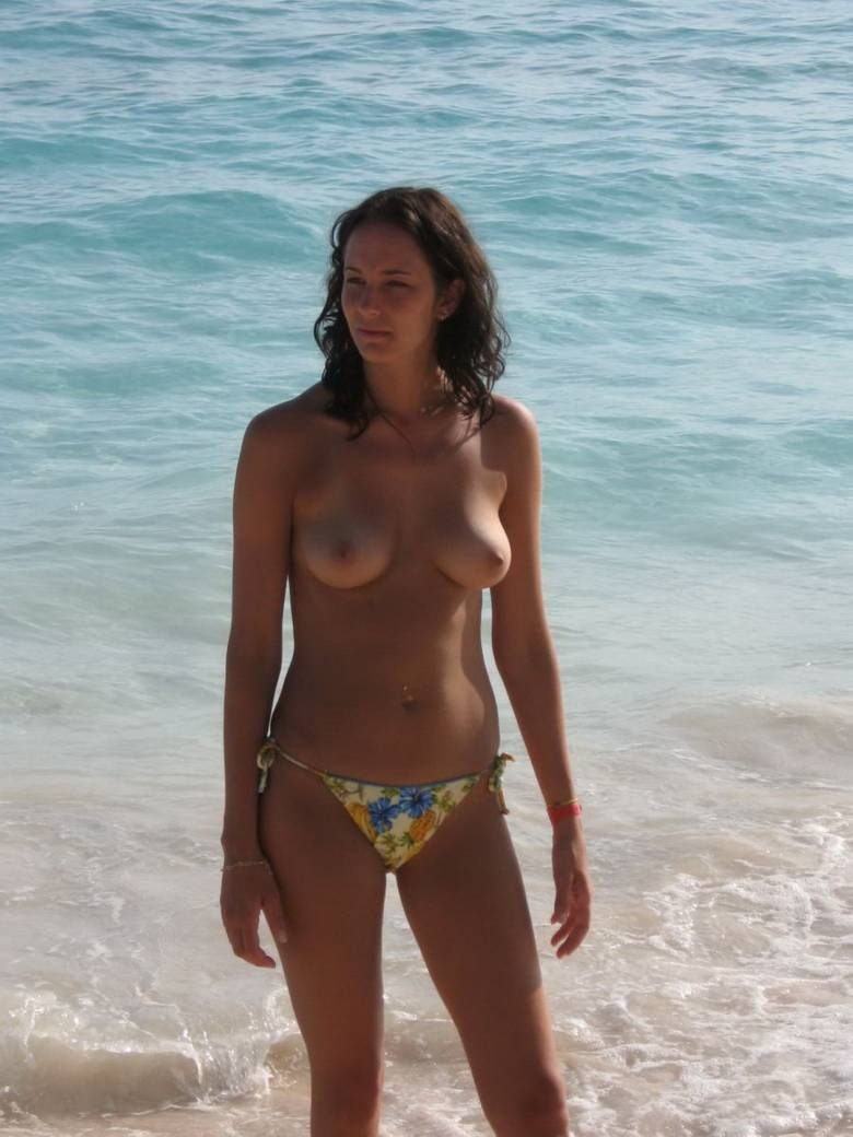 free beach girls