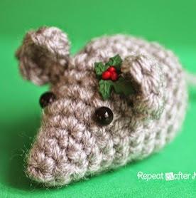 http://translate.googleusercontent.com/translate_c?depth=1&hl=es&rurl=translate.google.es&sl=en&tl=es&u=http://www.repeatcrafterme.com/2014/12/tiny-crochet-mouse.html&usg=ALkJrhh8EdhgDQmnoCqztOMoHjRtgBN0xQ