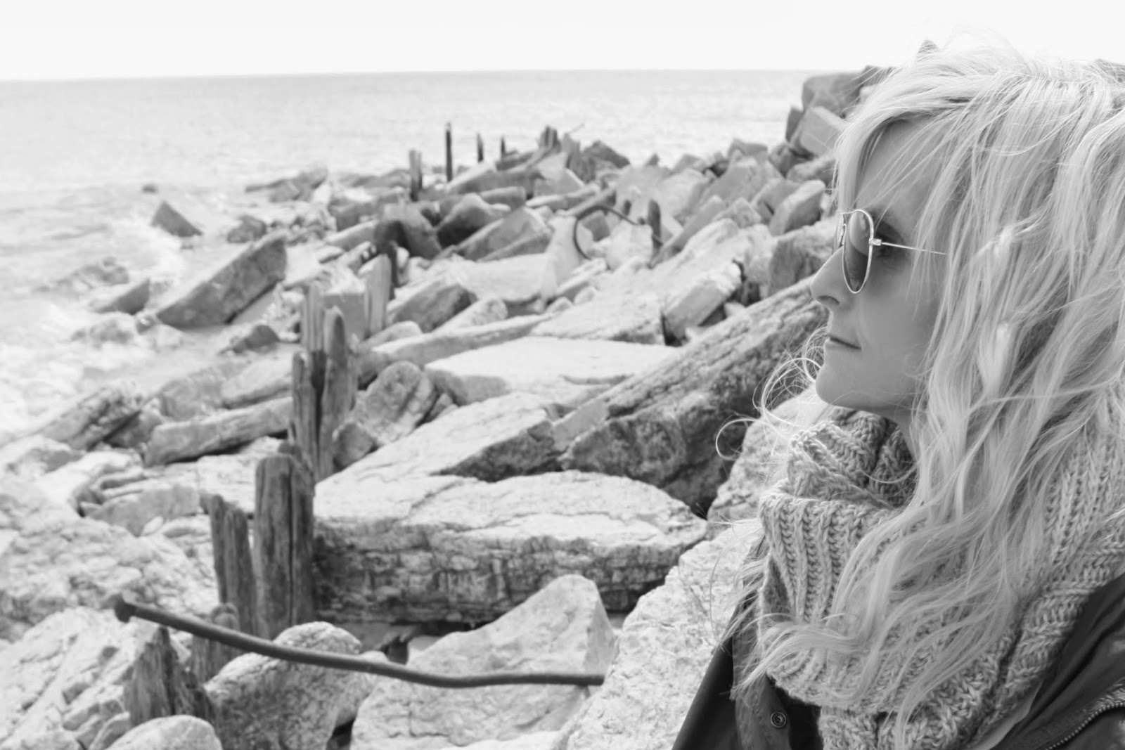 hello-lovely-studio-melissa-james-photography-blonde-raybans-rocky-beach
