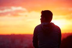 Hidup merantau, Pengalaman hidup merantau, Manfaat hidup merantau,  Cara hidup merantau