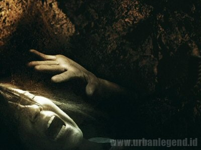 """Cerita Horor """"Buried Alive"""" (di Kubur Hidup-Hidup)"""