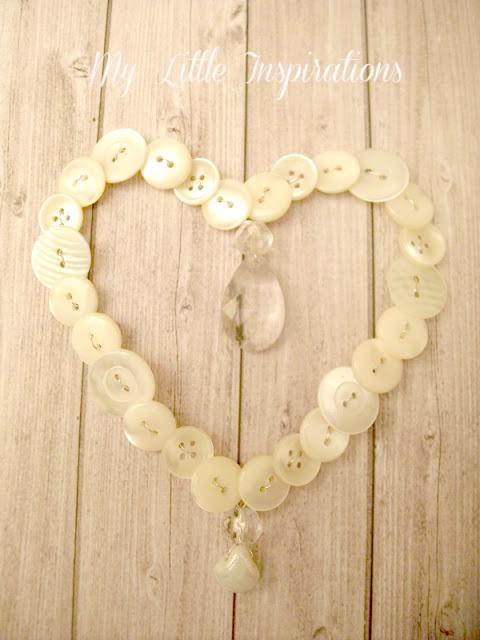 Ghirlanda cuore di bottoni e goccia di cristallo - flat - My Little Inspirations