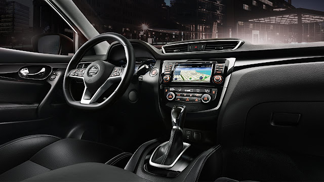 Interior view of 2017 Nissan Rogue Sport