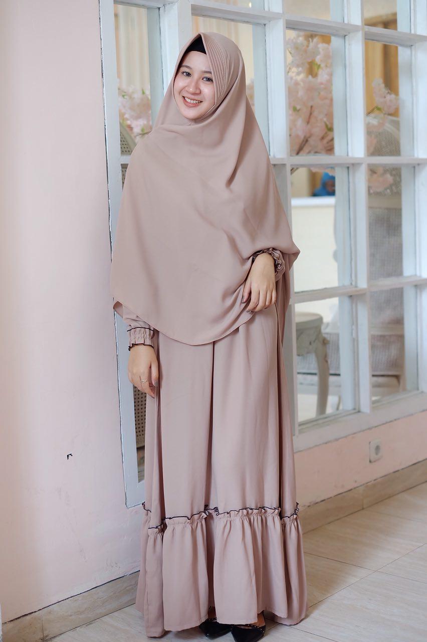 Belanja GROSIR KERUDUNG MURAH yang memuaskan ya hanya di Agen Jilbab  Surabaya. Silahkan belanja Jilbab Online atau datang langsung dan dapatkan  berbagai ... 7f7232c4d2