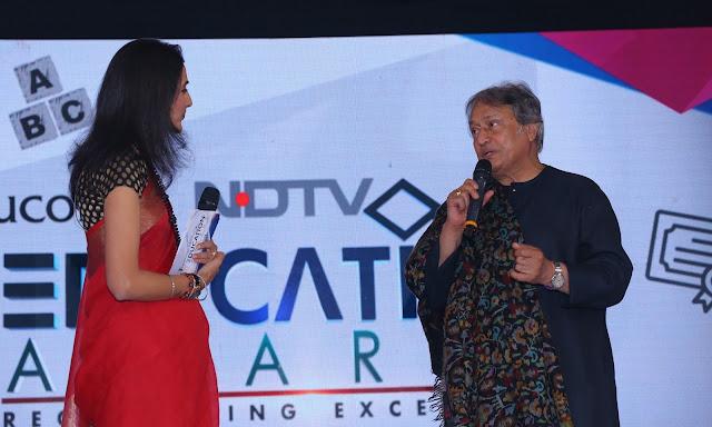 Ustad Amjad Ali Khan with Natasha Jog at the NDTV Education Awards 2017