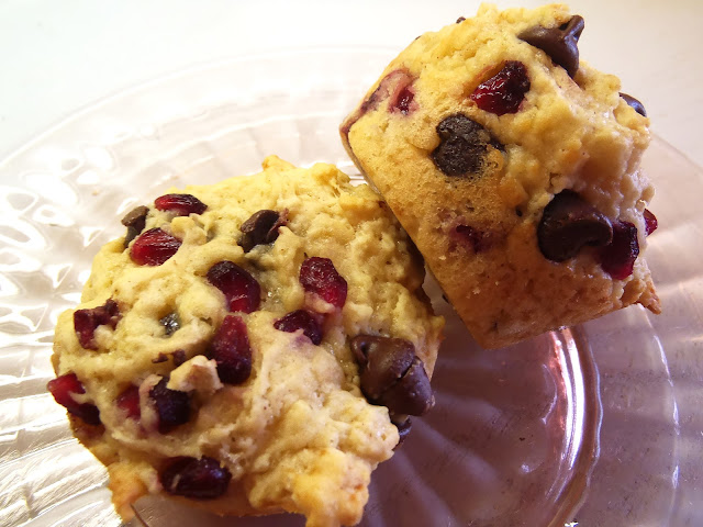 pomegranate chocolate chip muffins