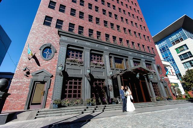 красивые места для фотосессии в Днепре. красивые фото Днепра. свадебные фото Днепра. Свадебный фотограф Днепр. Гостиница Axelhof
