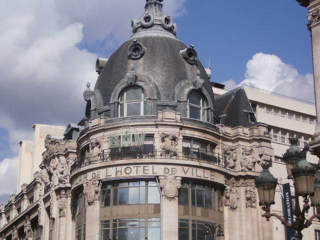 Bazar de L'Hotel de Ville, Paris
