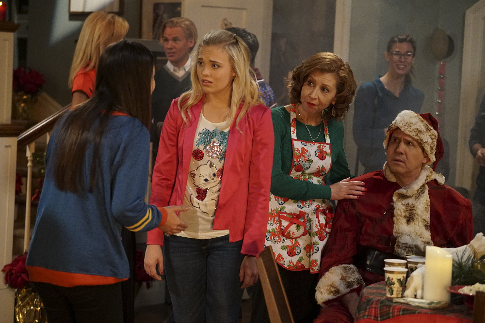 fans of the disney channel series best friends whenever will be able to watch enjoy an all new episode entitled the christmas curse at 9pm estpst - Best Friends Christmas Episodes