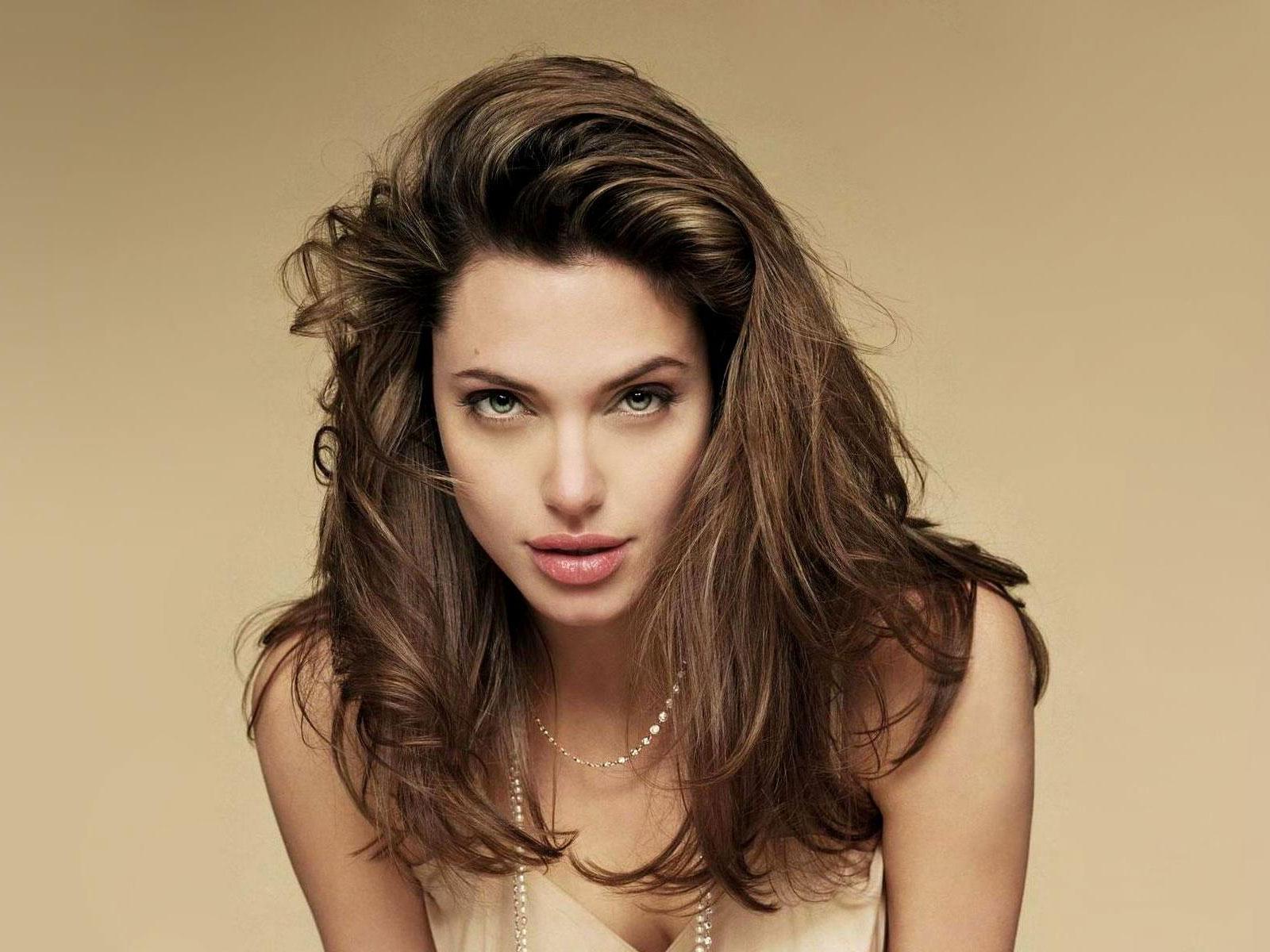 Angelina High Nude Photos 34