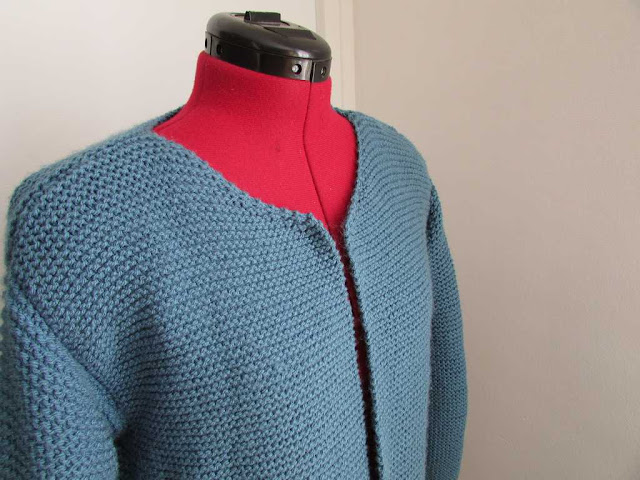 veste tricot point mousse bleu laine diy