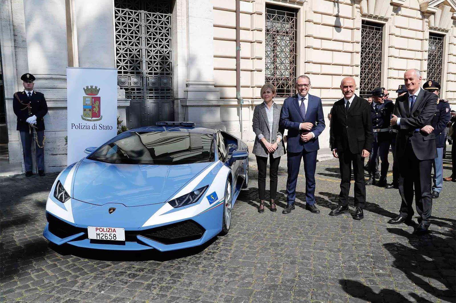 Lamborghini delivers a second huracan to the italian for Polizia di stato roma permesso di soggiorno