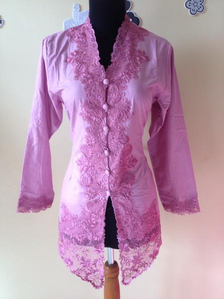 Model Kebaya Encim Modern Warna Pink Murah