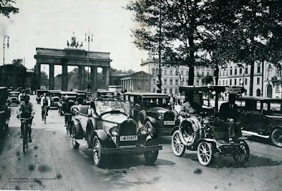 Berlin Porte de Brandebourg 1928