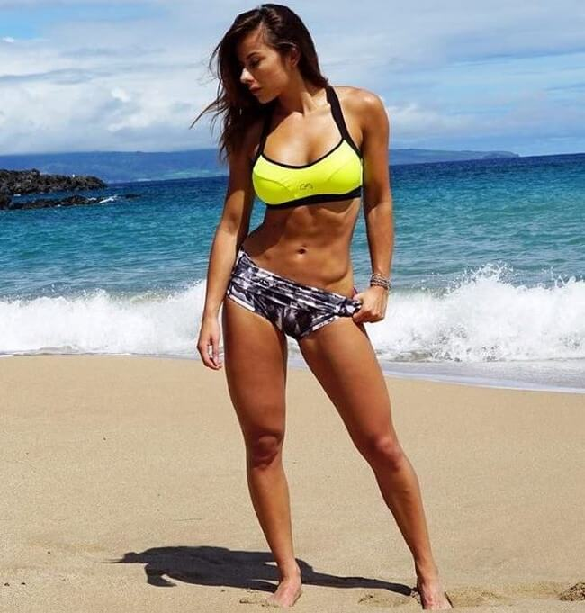 Sandra Prikker em foto na praia