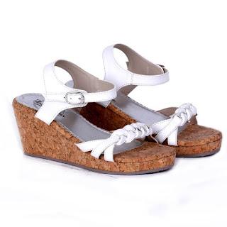 Model-Sandal-Carvil-Terbaru-dan-Murah-Yang-Sangat-Banyak-Peminatnya