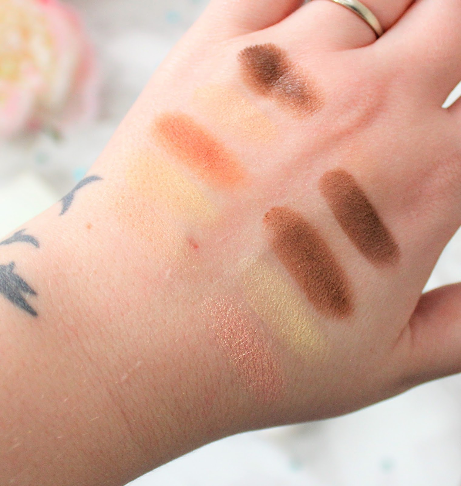 Urban Decay Contour Medium dark swatches