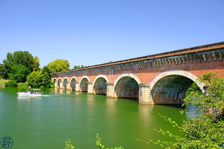 Le Chameau Bleu - Blog Voyage sur le Canal des Deux Mers à Vélo - Pont Canal Cacor à Moissac