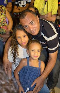 http://zemariahd.blogspot.com/2016/05/familia-na-escola.html
