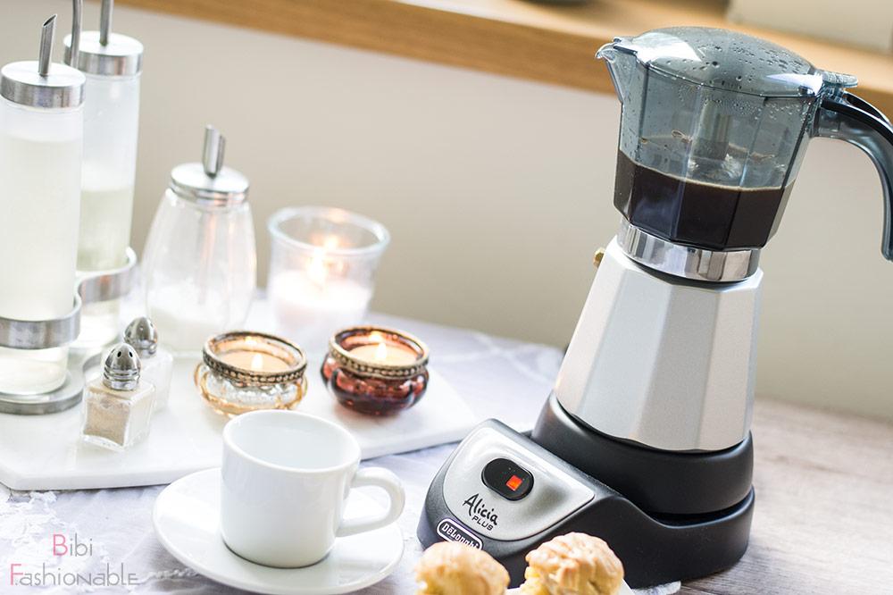 But first Coffee DeLonghi Alicia Titelbild