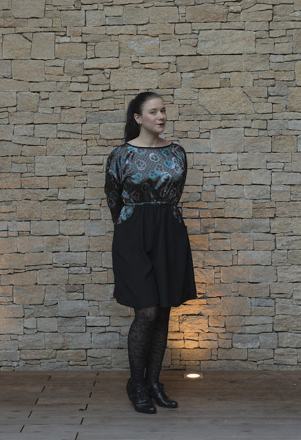 Sewing pattern Lou Box Dress 2 by Sew DIY front view