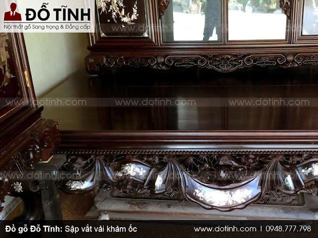 Sập vắt vải khảm ốc được trưng bày tại cửa hàng đồ gỗ Nam Định Đỗ Tĩnh