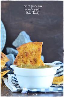 Dip de berenjena con nachos picantes (Baba ganush)